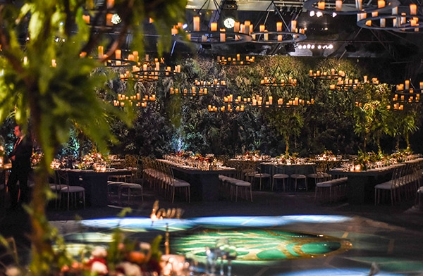 impressive-garden-wedding-decoration-atmospheric-lighting_01