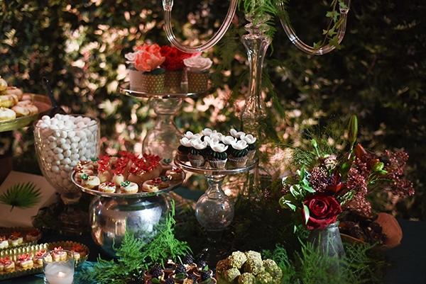 impressive-garden-wedding-decoration-atmospheric-lighting_12