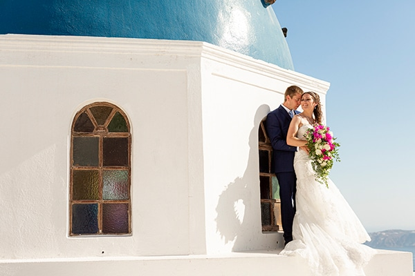 romantic-destination-wedding-santorini-bougainvillea_01