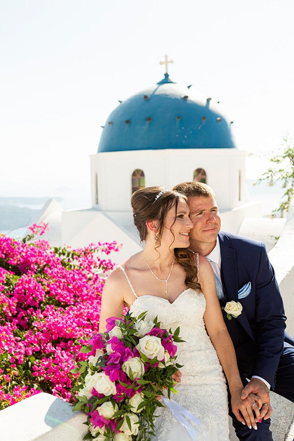 romantic-destination-wedding-santorini-bougainvillea_02