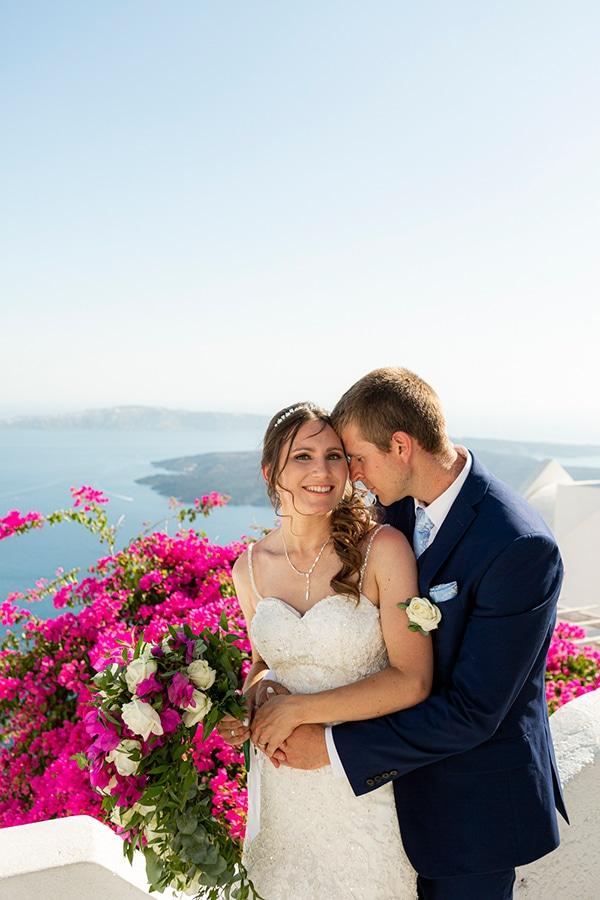 romantic-destination-wedding-santorini-bougainvillea_03