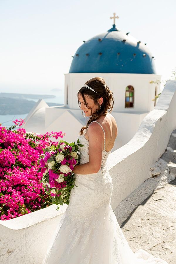romantic-destination-wedding-santorini-bougainvillea_04