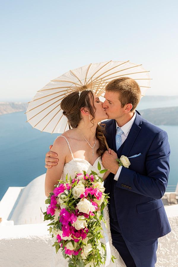 romantic-destination-wedding-santorini-bougainvillea_05