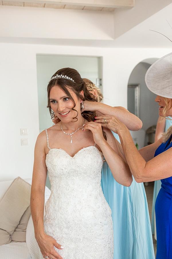 romantic-destination-wedding-santorini-bougainvillea_10