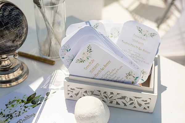 romantic-destination-wedding-santorini-bougainvillea_16