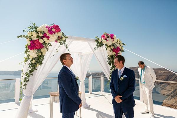 romantic-destination-wedding-santorini-bougainvillea_17