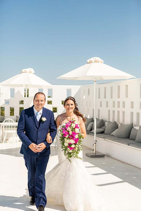 romantic-destination-wedding-santorini-bougainvillea_18