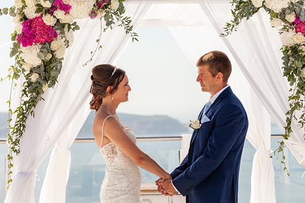romantic-destination-wedding-santorini-bougainvillea_20