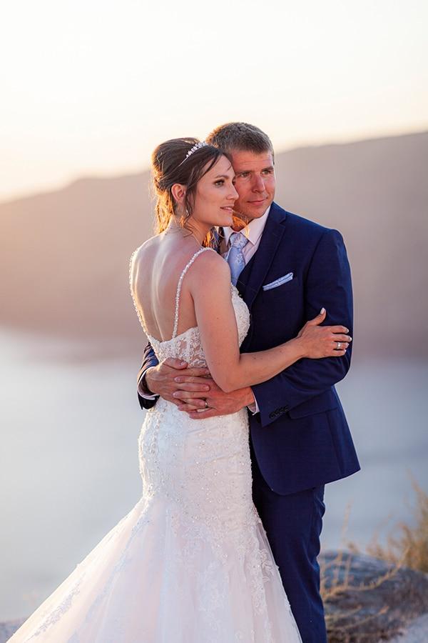 romantic-destination-wedding-santorini-bougainvillea_32