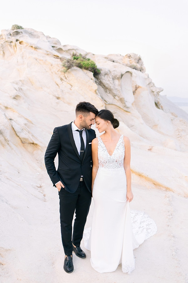 romantic-fall-wedding-greece-white-hues_01