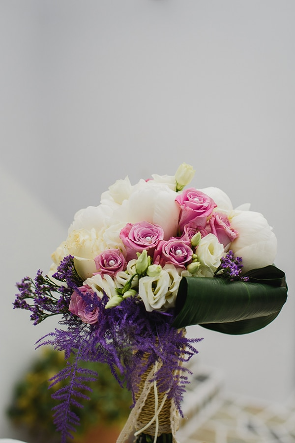 romantic-spring-wedding-ios-white-purple-hues_05x