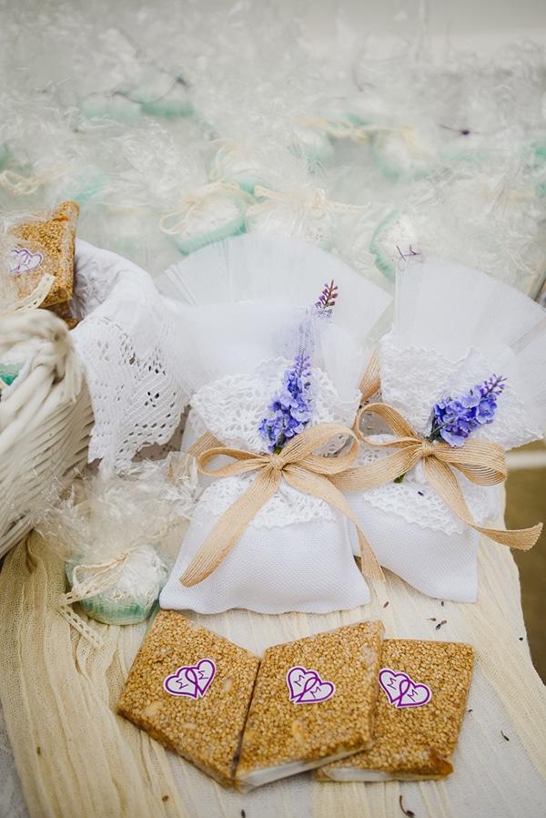 romantic-spring-wedding-ios-white-purple-hues_13