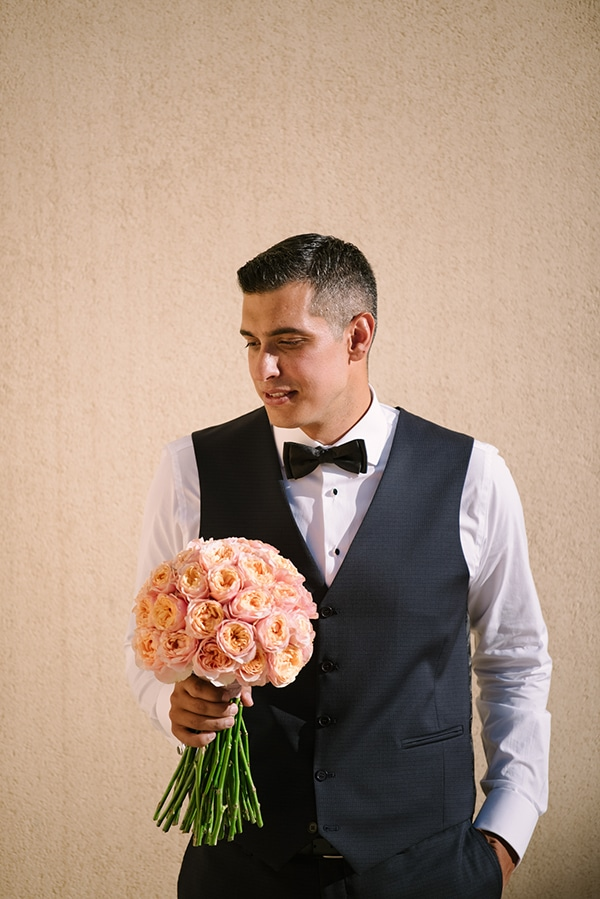 romantic-summer-wedding-athens-austin-roses-coral-hues_08