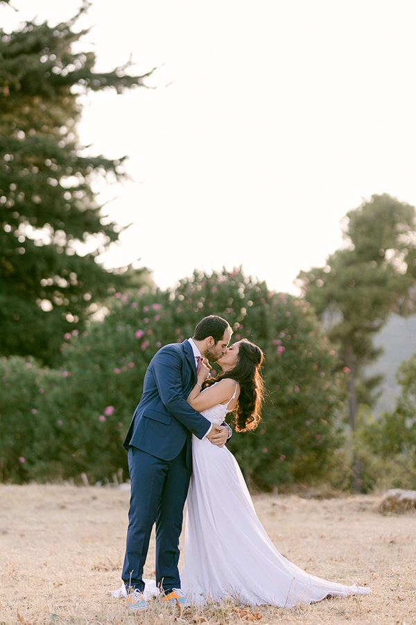 romantic-summer-wedding-athens-olive-branches_01