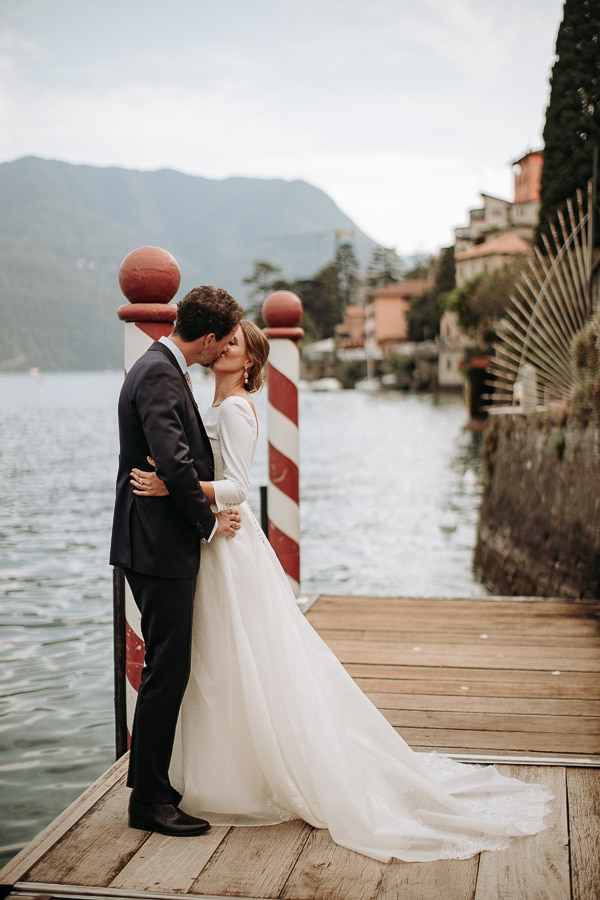 stylish-romantic-wedding-italy-wonderful-floral-arrangements_35