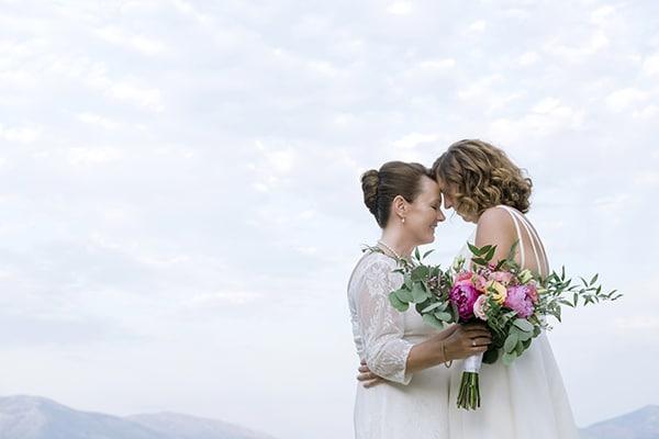 beautiful-destination-wedding-colourful-floral-designs-athens_01