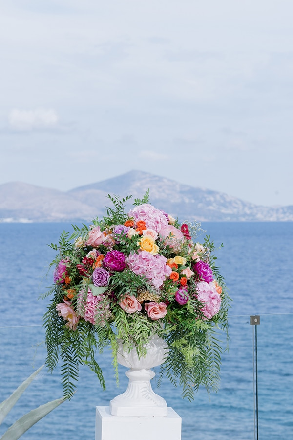 beautiful-destination-wedding-colourful-floral-designs-athens_06