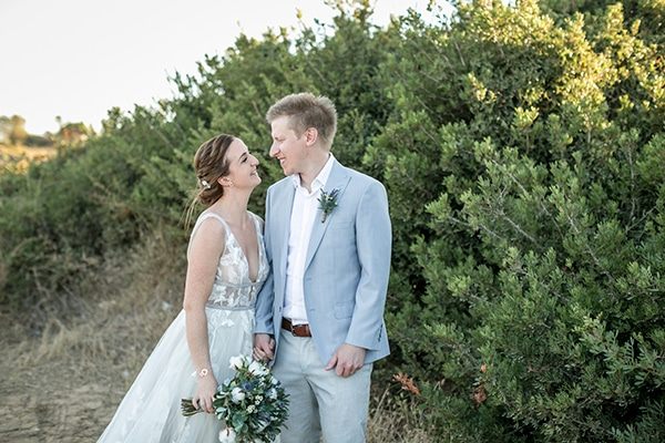 Dreamy beach wedding in Kefalonia | Jayne & Ian