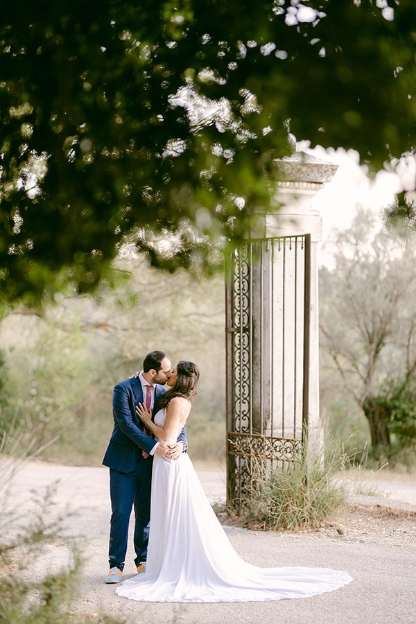 romantic-summer-wedding-athens-olive-theme_02x