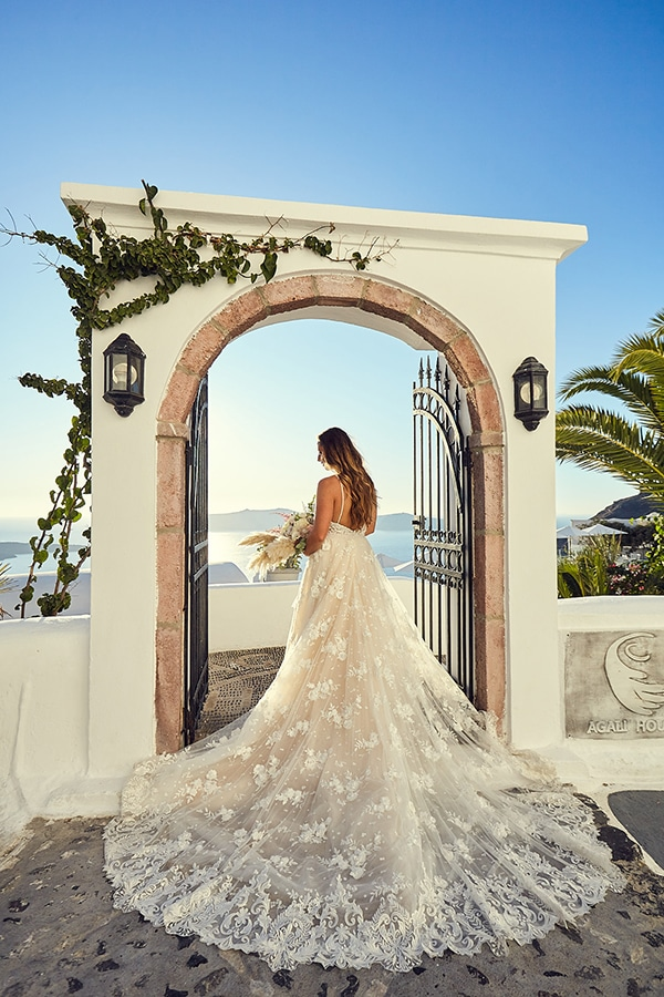 romantic-wedding-bohemian-elegant-touches-santorini_03