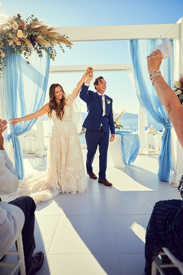 romantic-wedding-bohemian-elegant-touches-santorini_14
