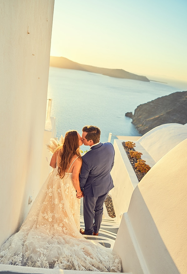 romantic-wedding-bohemian-elegant-touches-santorini_19