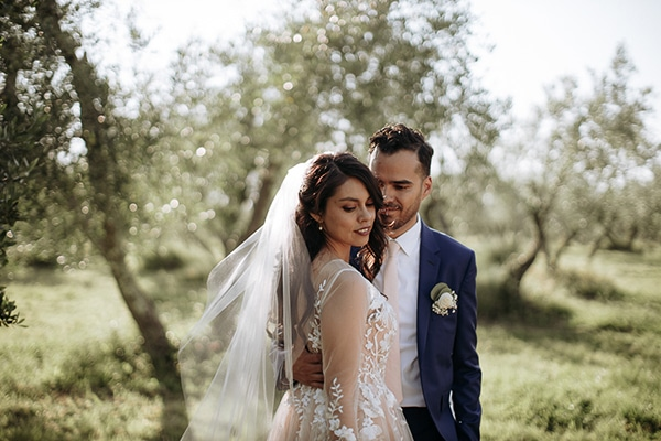 whimsical-intimate-wedding-tuscany-rustic-details_03x