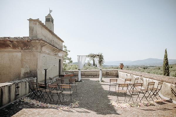 whimsical-intimate-wedding-tuscany-rustic-details_09