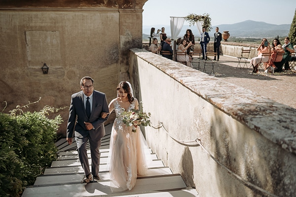 whimsical-intimate-wedding-tuscany-rustic-details_11