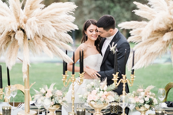 Elegant-wedding-ideas-pampas-black-details_01