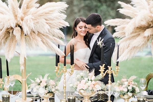 Elegant-wedding-ideas-pampas-black-details_01