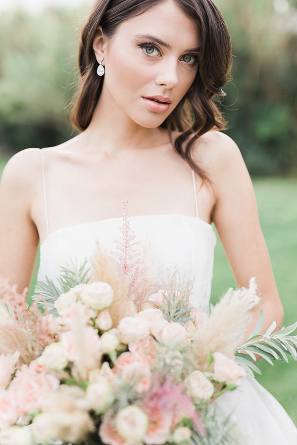 Elegant-wedding-ideas-pampas-black-details_03