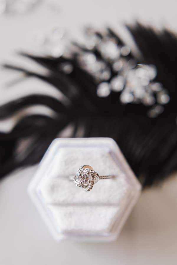 Elegant-wedding-ideas-pampas-black-details_06