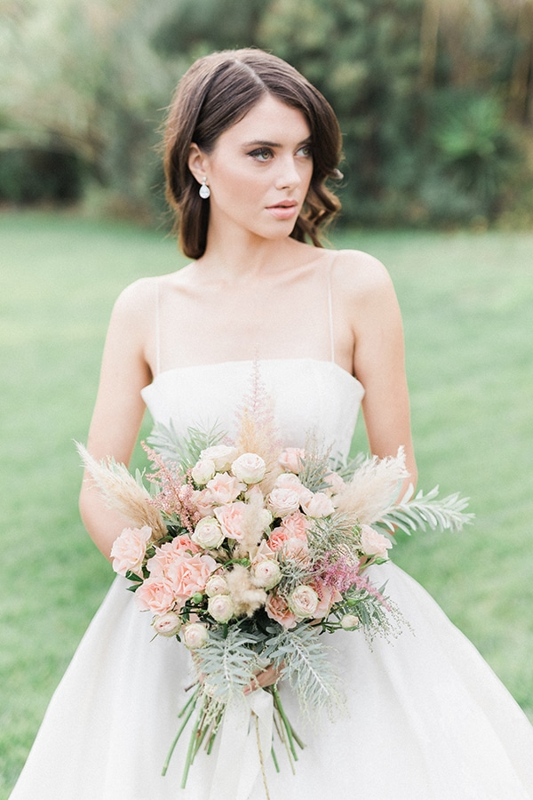 Elegant-wedding-ideas-pampas-black-details_09