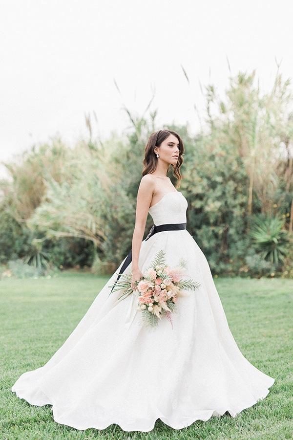 Elegant-wedding-ideas-pampas-black-details_10