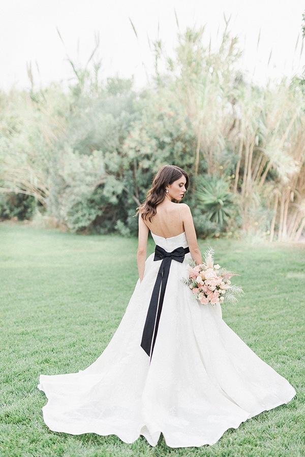 Elegant-wedding-ideas-pampas-black-details_11
