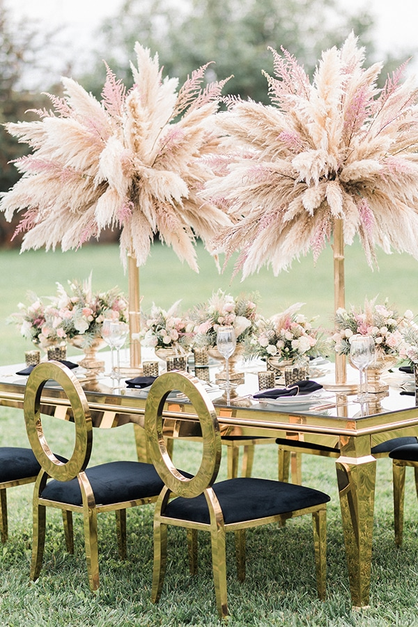 Elegant-wedding-ideas-pampas-black-details_14
