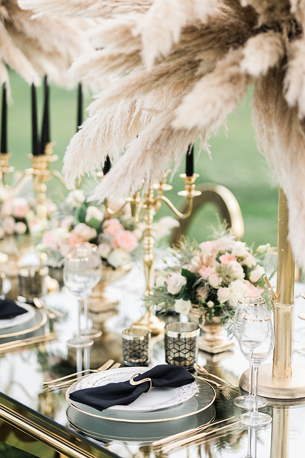 Elegant-wedding-ideas-pampas-black-details_17
