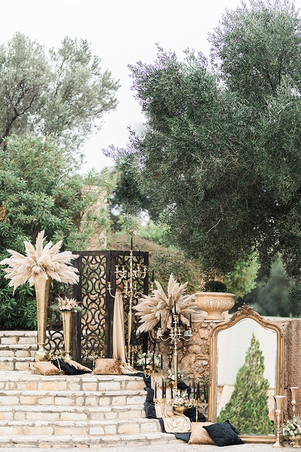 Elegant-wedding-ideas-pampas-black-details_19