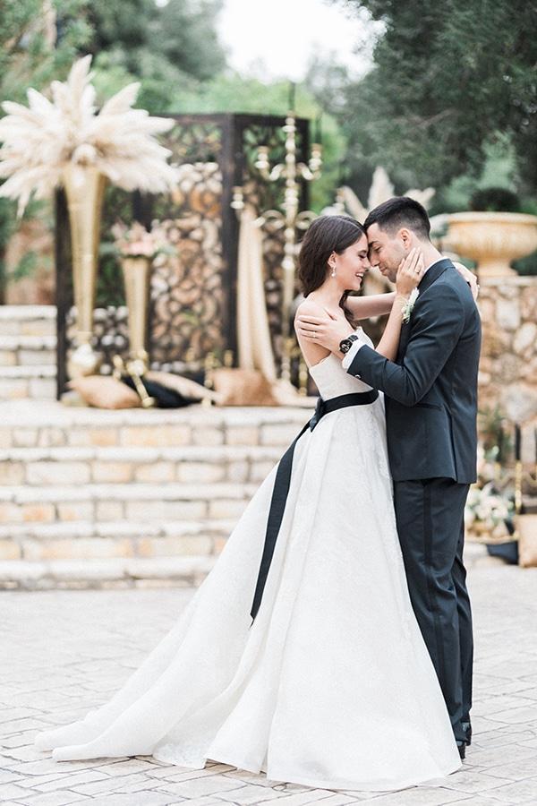 Elegant-wedding-ideas-pampas-black-details_22