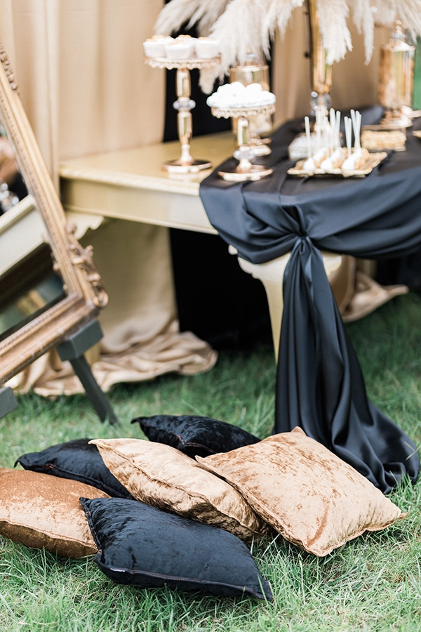 Elegant-wedding-ideas-pampas-black-details_24