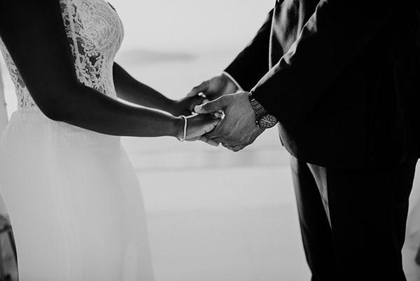 breathtaking-elopement-in-santorini_08