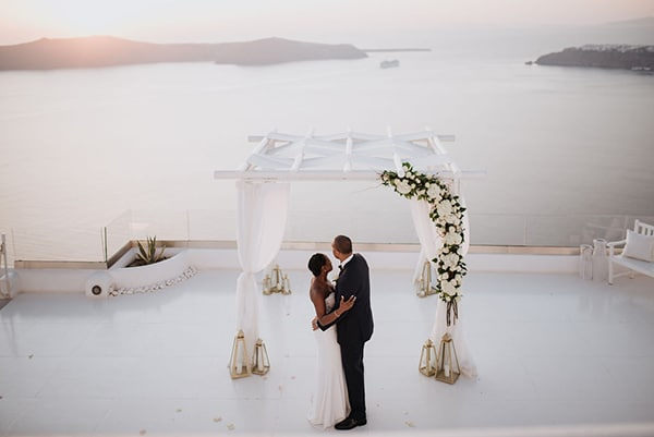 breathtaking-elopement-in-santorini_12