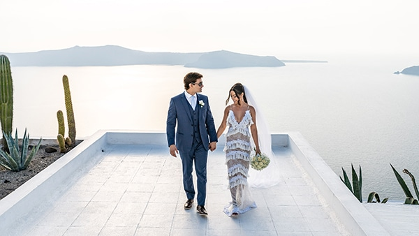 intimate-modern-wedding-santorini_25