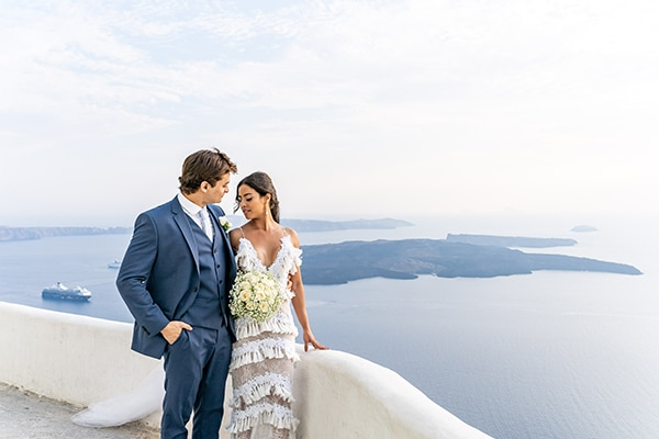 intimate-modern-wedding-santorini_26