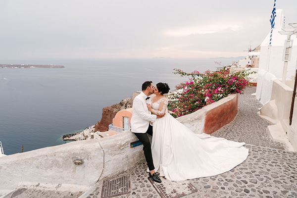 bloomed-fall-wedding-breathtaking-view-santorini-island_01