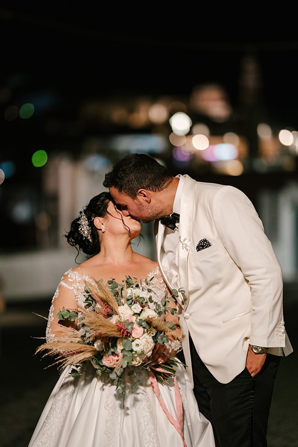 bloomed-fall-wedding-breathtaking-view-santorini-island_16