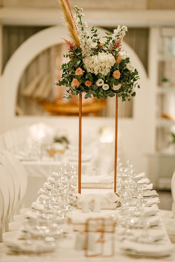 bloomed-fall-wedding-breathtaking-view-santorini-island_23