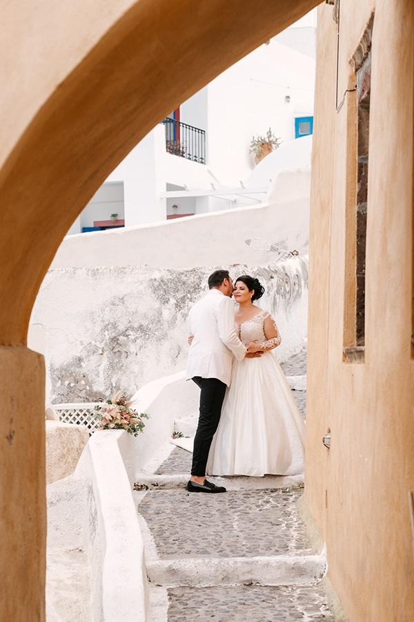 bloomed-fall-wedding-breathtaking-view-santorini-island_24x