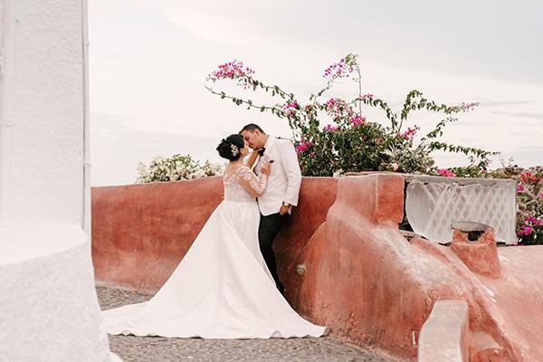 bloomed-fall-wedding-breathtaking-view-santorini-island_25